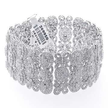 32.00 Cts Diamond Bracelet set in 18K white gold