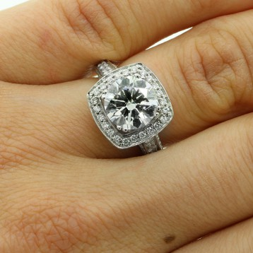 4.01 CTS ROUND CUT DIAMOND HALO ENGAGEMENT RING SET IN 14K WHITE GOLD