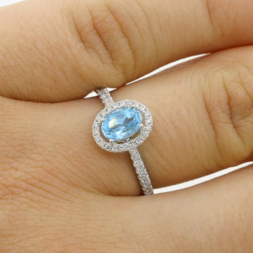 0.82 Cts  Oval Aquamarine and Diamond Engagement Ring set in 18K white gold