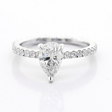 1.01 cts Pear Shaped diamond Engagement Ring set in 18K white gold