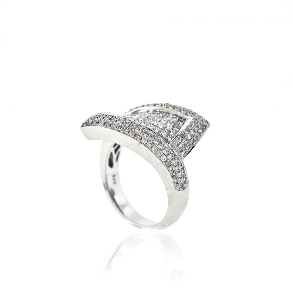 Invisible Set Twisted Rectangle Diamond Ring