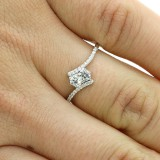 0.31 CTS ROUND CUT DIAMOND ENGAGEMENT RING SET IN 18K WHITE GOLD
