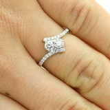 0.59 CTS ROUND CUT DIAMOND ENGAGEMENT RING SET IN 18K WHITE GOLD