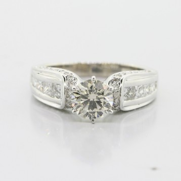1.04 cts Round Brilliant cut Engagement Ring set in 14K White Gold