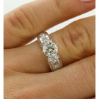 1.08 cts Round Cut Diamond set in 18K White Gold Engagement Ring