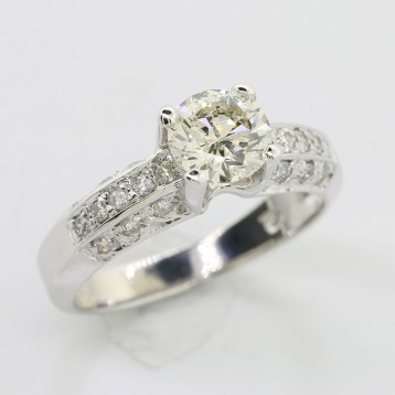 1.02 cts Round Cut Diamond Engagement Ring set in 14K White Gold