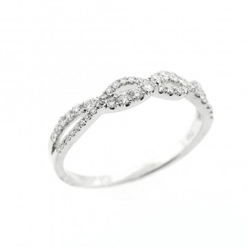 0.30 Cts Round Cut Diamond Engagement Ring set in 18K White Gold