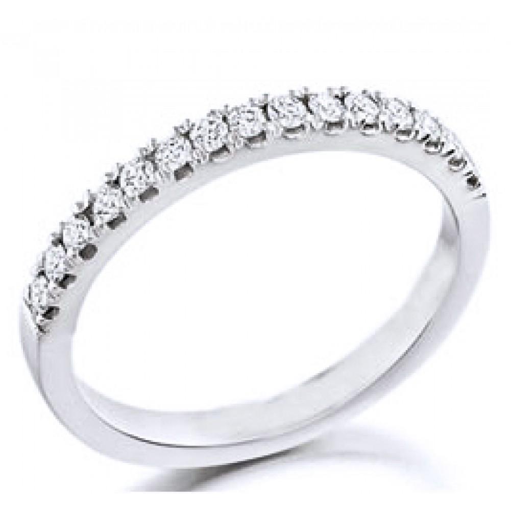 Single Row Petite Diamond Wedding Band