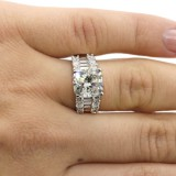 5.50 CTS CUSHION CUT DIAMOND ENGAGEMENT RING SET IN 18K WHITE GOLD
